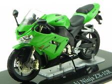 Kawasaki Ninja ZX-10R model motor bike in Vitrine 1:24