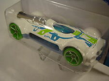 2014 Hot Wheels 56/250. WHITE Retro-Active. Future Fleet. New in Package!