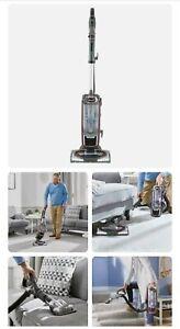 Shark Powered Lift-Away TruePet Vacuum Cleaner NV681UKT