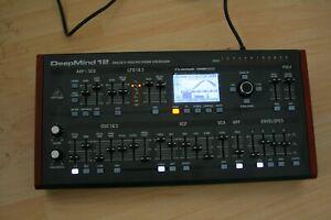 Behringer Deepmind 12d, Polyphoner Synthesizer Neuwertig
