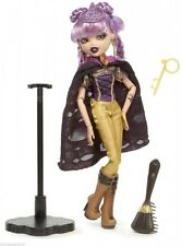 Bratzillaz  Fashion Doll With Pet  – Bratzillaz Yasmina Clairvoya