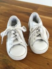 Puma Girls White  Leather trainers Sneakers at size Infant UK9 EU27.VGC