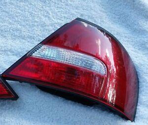 98 99 00 01 Nissan Altima Tail Light RH Rear 1998 1999 2000 2001 Passenger Side