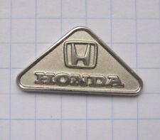 HONDA / dreieckig / silbern .................... Auto-Pin (119j)