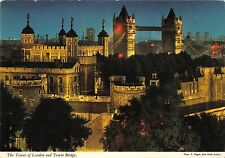 B96685 the tower of london and tower bridge  uk
