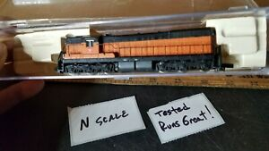 NS17 Life Like Milwaukee Road GP20 Diesel Locomotive  LIKE LIKE