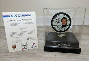 WAYNE GRETZKY Signed Fotoball Portrait Hockey Puck /1851 w/ COA & Display Case