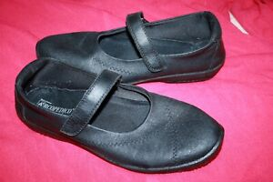 ARCOPEDICO LADIES BLACK MARY JANE SHOES. MADE IN PORTUGAL. EURO SZ : 41.