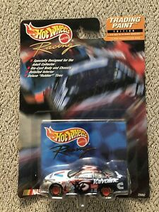 Hot Wheels Trading Paint Roush Racing #6 Valvoline Ford Taurus New