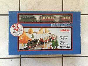 MARKLIN HO STEAM LOCOMOTIVE & 2 PASSENGER CAR STARTER SET #2902 MINT IN BOX