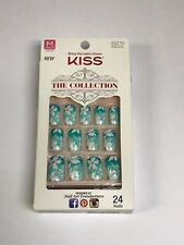 KISS THE COLLECTION NAILS GREEN FLOWER MEDIUM LENGTH GLUE ON KIT 62270 SSC01
