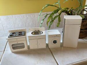 Dolls House Kitchen Modern cooker Fridge freezer Washing Machine Sink 1.12