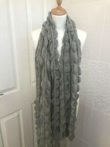 Woman's Grey Scarf