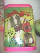1996 Barbie ir al juego Millicent Roberts Outfit