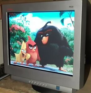 "Compaq P920 CRT monitor 19"" Native Resolution 1920 x 1440 at 70 Hz"
