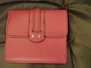 NWT $39 KENNETH COLE REACTION Magenta Leather Wallet