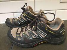 Women's Salomon hiking shoes size 7.5