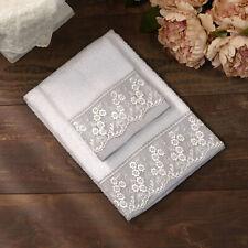Coppia di Asciugamani Shabby Chic Con Bordo di Pizzo Colore Bianco / Grigio