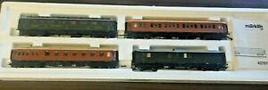Mӓrklin HO #42757 Set of 4 Express Train Passenger Cars