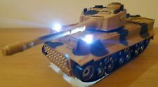 Tanque de ejército militar Camión De Radio Control Remoto Coche sonido de disparo chicas chicos juguetes
