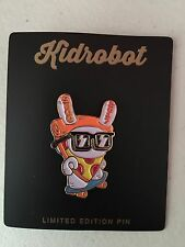 COMIC CON SDCC 2017 KID ROBOT DUNNY PIN