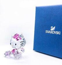 NEW SWAROVSKI CRYSTAL 5279082 HELLO KITTY TRAVELLER  W/ SUITCASE FIGURINE