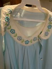 Vtg Vanity Fair Light Blue Satin Lace Lingerie Sleepwear Gown Robe Set Small