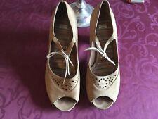 Schuhe, Pumps, Damen, Gr. 39, beige, Camper, gebraucht, Top Zustand, Sommer!