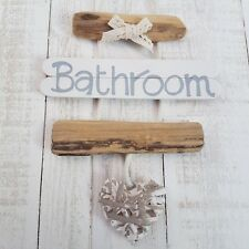 SHABBY DRIFTWOOD CHIC WOODEN BATHROOM WC TOILET THE LOO HEART DOOR PLAQUE SIGN.