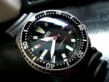 Vintage mens watch SEIKO diver 7002 mod w/Gray DAGGER & RED Stealth SS hand set
