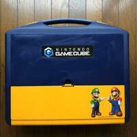 Nintendo GameCube Carry Case Storage case w/ Console and Accessories Silver