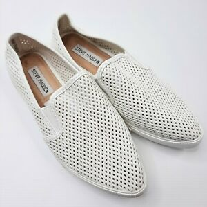 Steve Madden Womens Shoes Size 7B White 'Virggo' Fashion Sneaker Perforated