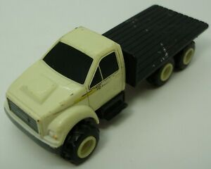 ERTL Flat Bed Truck – John Deere logos