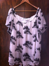 STYLISH ESTELLE OFF WHITE/BLACK FLORAL LAYERED TOP SIZE 24 NEAR NEW