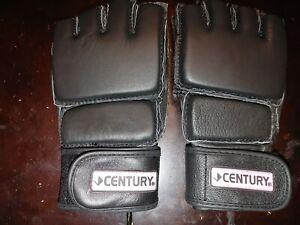 Century Kick Boxing Gloves, Blck w/pink trim  Size M/L