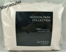 Hudson Park 680 Thread Count Supima Cotton Cal. King Fitted Sheet Vanilla Sky