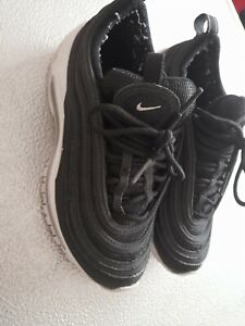 nike air max  trainers in black  size 3