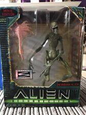 Hasbro Alien Resurrection Newborn Alien 9 Inch Figure