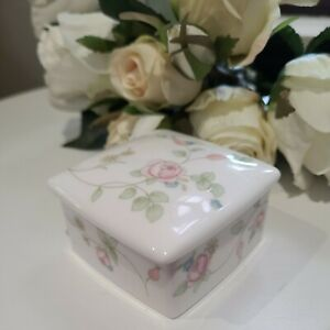 Wedgewood Rosehip Small Square Bone China  Trinket With Lid 1992