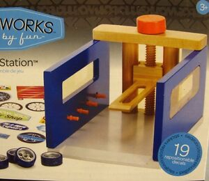 Motorworks Tuner Lift Station Play Set NEW Wooden Working Vehicle Wood Ages 3+