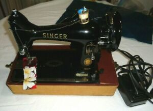 Vintage Singer 99K Electric Sewing Machine  & accessories With Original Case!