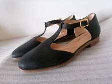 CLARKS ALICE ROSA WOMENS BLACK LEATHER T-BAR CASUAL FLAT SHOES SANDALS UK SIZE 5