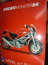 New Ray MAISTO 43715 1/12 Ducati MONSTER S4 1/12 MOTORCYCLE KIT