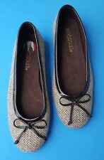 Aerosoles Womens Round Toe Canvas brown cream slip on Flats Size 6M