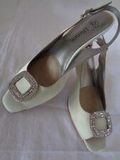 J Renee Cream Satin Diamante Buckle Wedding Evening Party Shoe's Size 6.5 M