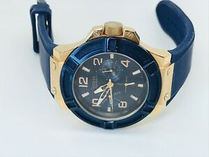 Guess Rigor Sports W0247G3 Blue Dial Rubber Strap Gents Watch - 100m - (193E)