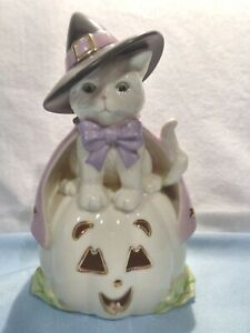LENOX HOCUS POCUS HALLOWEEN CAT WITCH ON PUMPKIN NWOB ITEM #773424