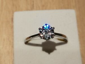Beautiful 925 STERLING SILVER, SIMULATED 1 CT DIAMOND ENGAGEMENT RING Size V