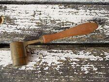 Ancienne mesure à cartouche en cuivre jaune , chasse vénerie ...