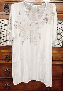 Johnny Was  Cream Colored Tunic w Elaborate Gold And Silver Thread Embroidery